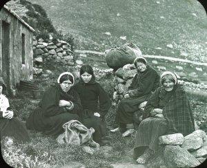 Les femmes d'Hirta sur le départ au moment de l'évacuation de Saint Kilda, août 1930. Projet, Musique, écriture, théatre