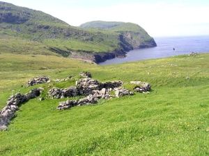 "Remains of the ""Amazon's house"" on Gleann Mor heights."