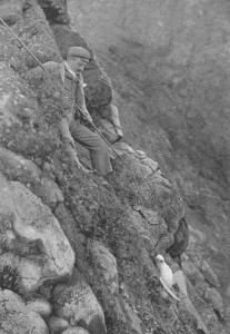 A Hirta's inhabitant hunting birds on the cliffs, 1898