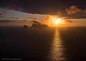 Coucher de soleil sur Boreray, St Kilda, photo Emma Mitchell, CallanishDigitalDesigns