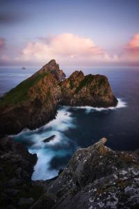 The cliffs of Dùn - Photo by Thomas Black