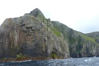 Les imposantes côtes d'Hirta ©Camille Peney