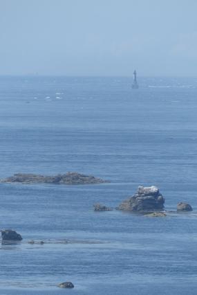 Zoom sur le phare d'Ar-Men au bout de la chaussée de Sein ©Camille Peney