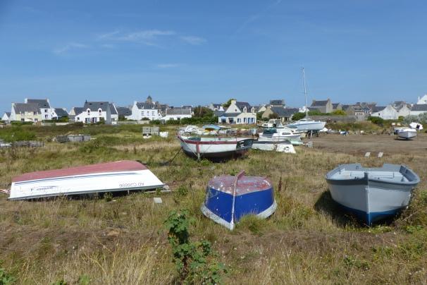 Un parking de bateaux sur Sein ©Camille Peney